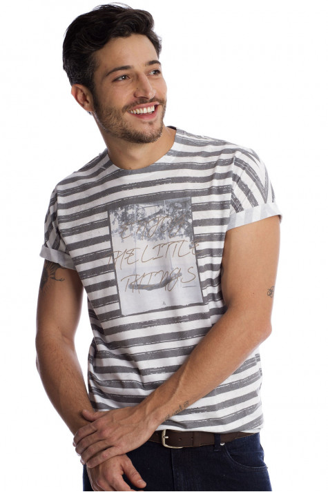 Camiseta Branca estampada Casual